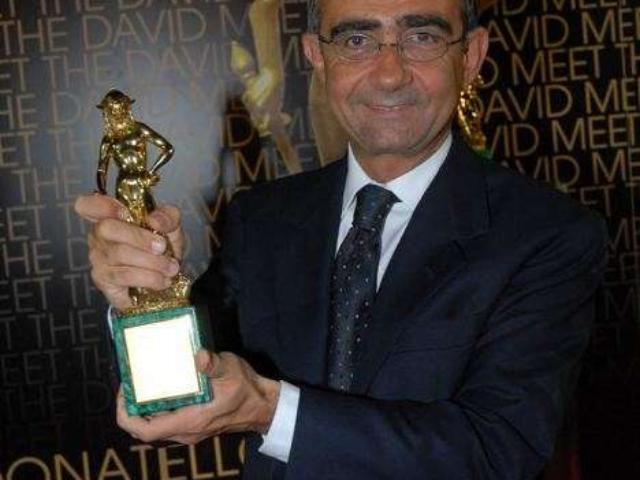 Il David di Donatello è il principale premio dedicato al cinema italiano ed internazionale. In questa occasione (2005) il premio è stato dato a Million Dollar Baby quale miglior film straniero, distribuito in Italia da 01 Distribution. Prima e unica volta di un film di Clint Eastwood non distribuito in Italia da Warner.
