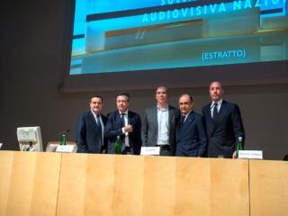 Insieme ai vertici dei principali broadcaster nazionali: Fabrizio Salini per Rai, Alessandro Salem per Mediaset, Nicola Maccanico per SKY e Franco Siddi per Confindustria TV
