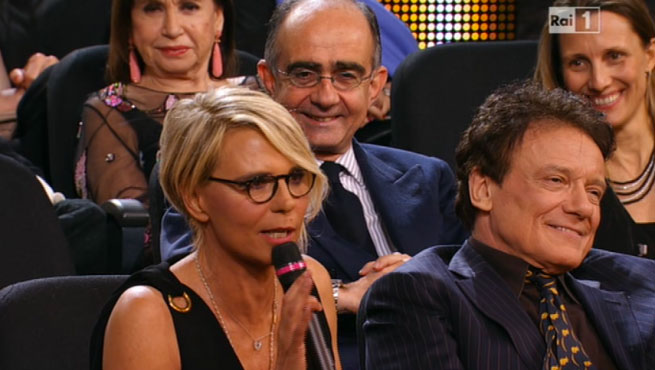 Maria De Filippi sta dichiarando, nella diretta di Rai1 per gli Oscar della Tv 2014, che nessuno le aveva mai chiesto di condurre il Festival di Sanremo e che dunque era improprio parlarne, anche se con Carlo Conti lo avrebbe fatto. Io sorrido perché proprio da quel momento cominciò il progetto che si realizzò tre anni dopo.